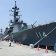 舞鶴基地に停泊中の護衛艦